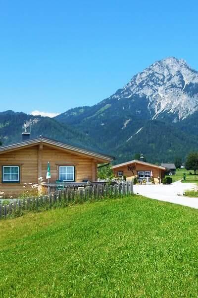 Bergblick aus dem Dorf